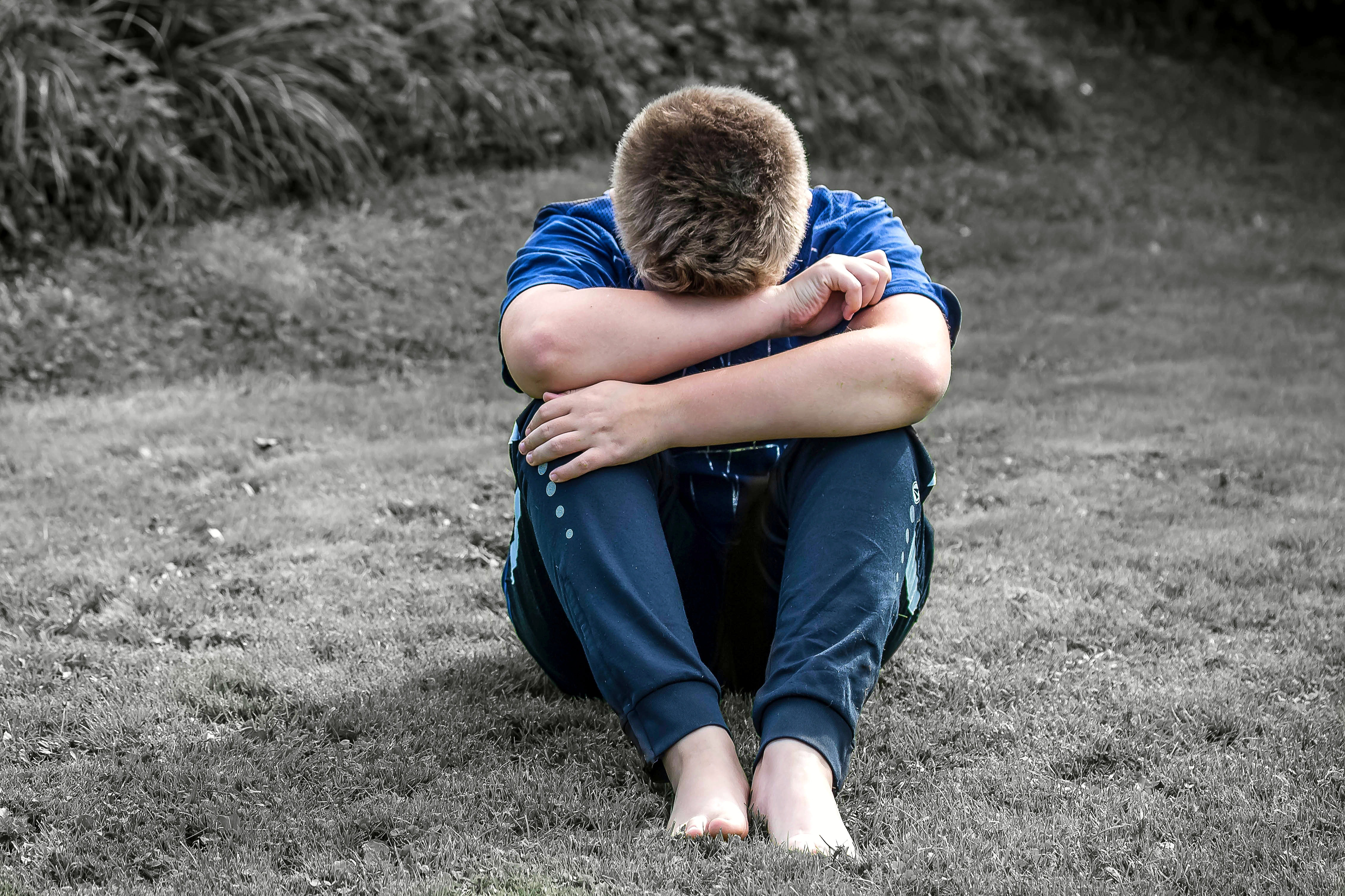 alone-boy-child